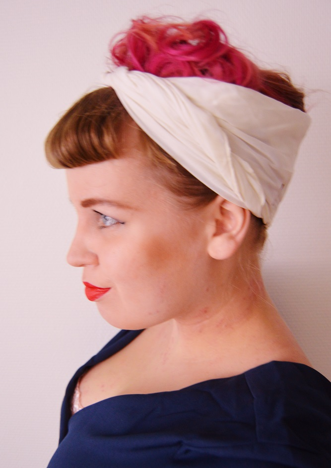 My Everyday Pinup Hairstyle How To Look Vintage Glam In Fifteen